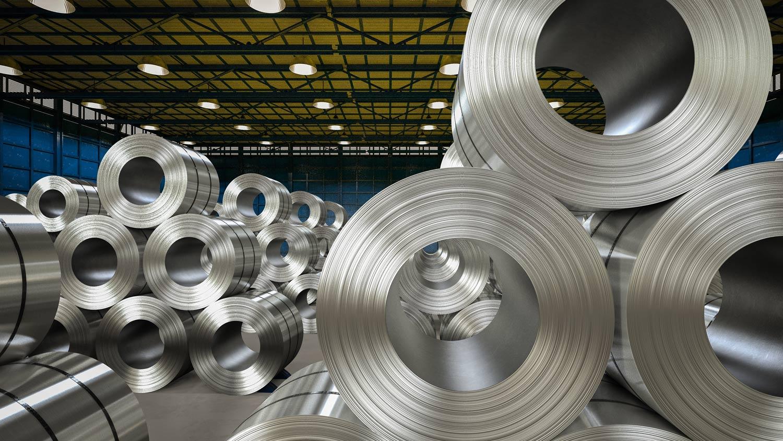 Principal produtora de chapa de alumínio para latas de bebidas e maior recicladora de alumínio do mundo reduz riscos de colaboradores e aumenta a produtividade.